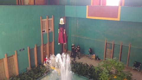 Hinds Warts stunt-rigging
